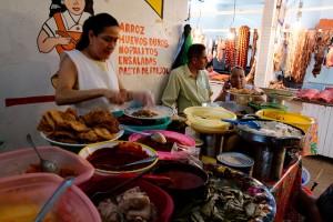 Au_marche_au_troc_de_Mexico_les_legumes_s_achetent_avec_des_dechets2