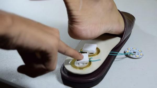 192 15 Ans Il Invente Les Chaussures Qui Produisent De L