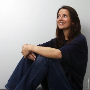 """Anne Dauphine Julliand auteur du livre """"Deux petits pas dans le sable moullié"""" Paris le 10/05/2011. Photo Bernard Bisson/JDD"""